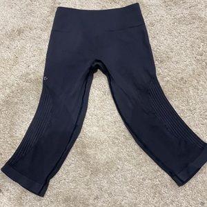 Lululemon leggings size 6 EUC